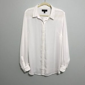 Banana Republic Classic Fit White Button Up Top